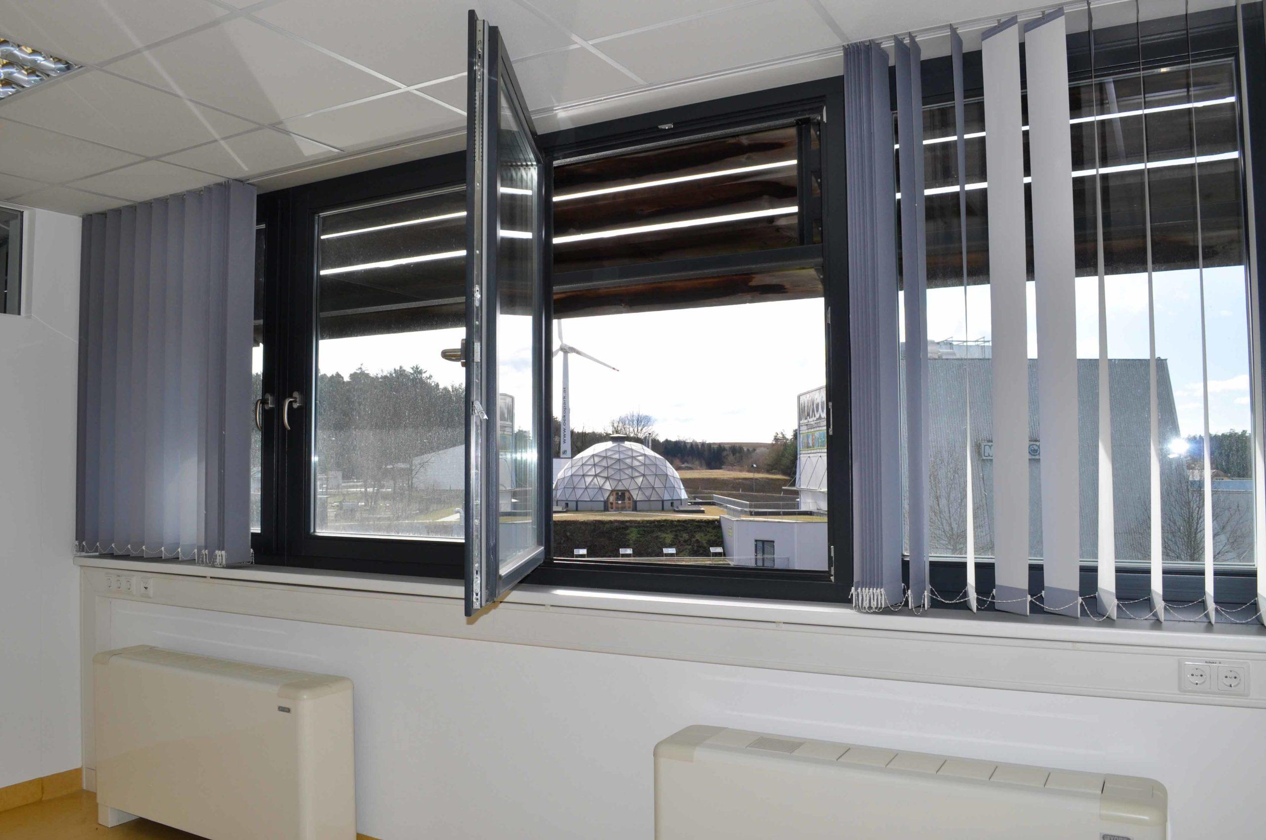 Büro im Büroturm mit Blick Maxoom