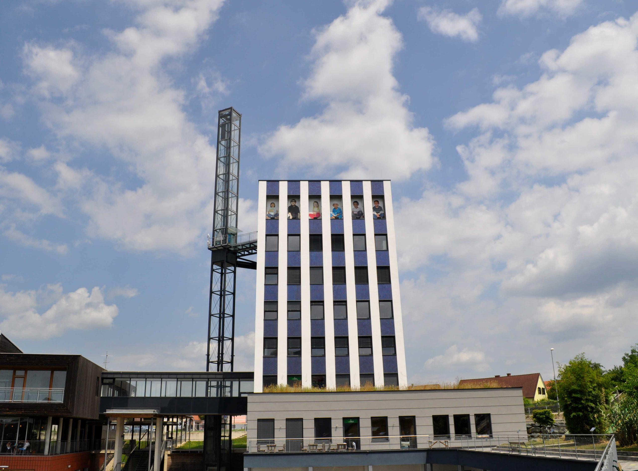 Büroturm am Ökopark Hartberg mit Lift