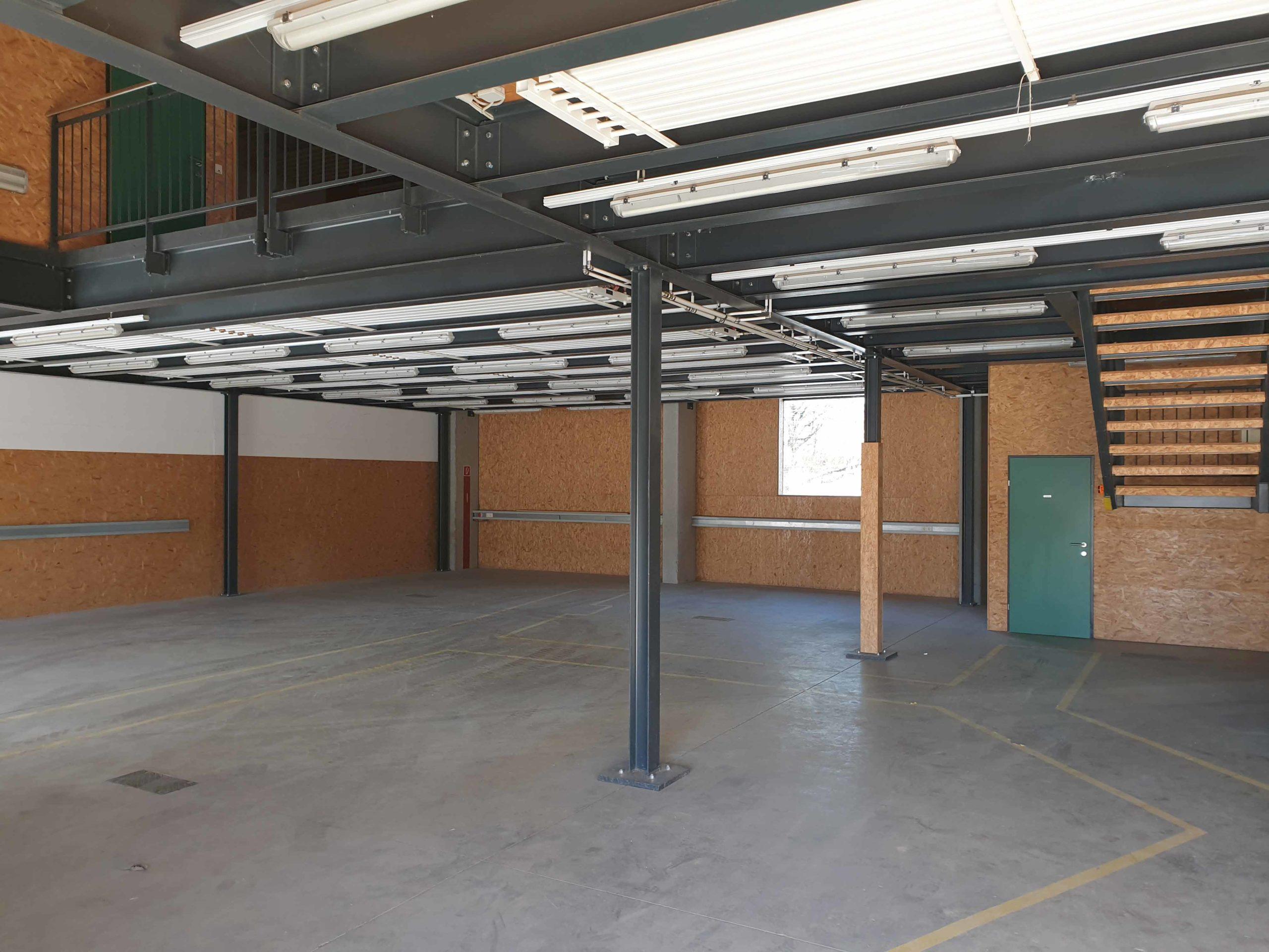 Lager oder Produktionsfläche in der Solarhalle am Ökopark Hartberg